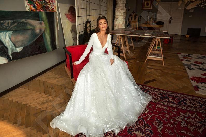 Abito da sposa Vintage A Maniche Lunghe In Pizzo Da Sposa In Raso Vestito Sexy Profondo Scollo A V Backless Vestito Da Sposa per la Cerimonia Nuziale