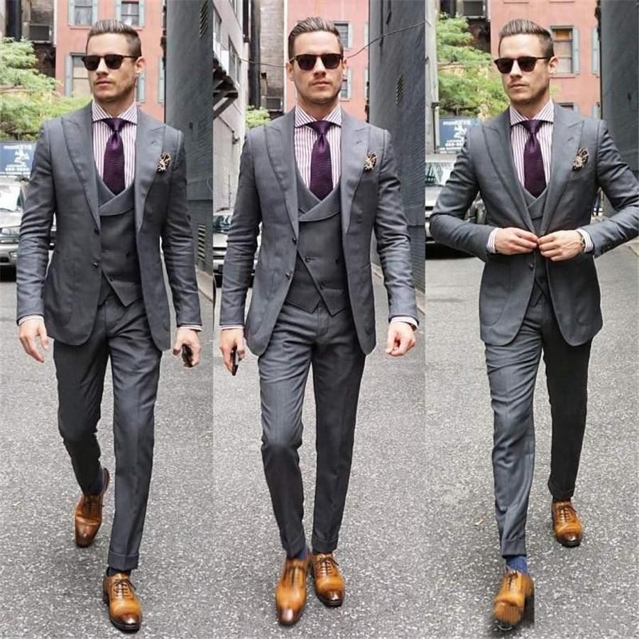 Personalizzato 2020 Slim Fit Smoking con Ha Raggiunto Il Picco Risvolto Uomini Groomsmen Abiti da Sposa Tre Pezzi di Promenade Vestito di Affari (Jacket + maglia + Pantaloni)