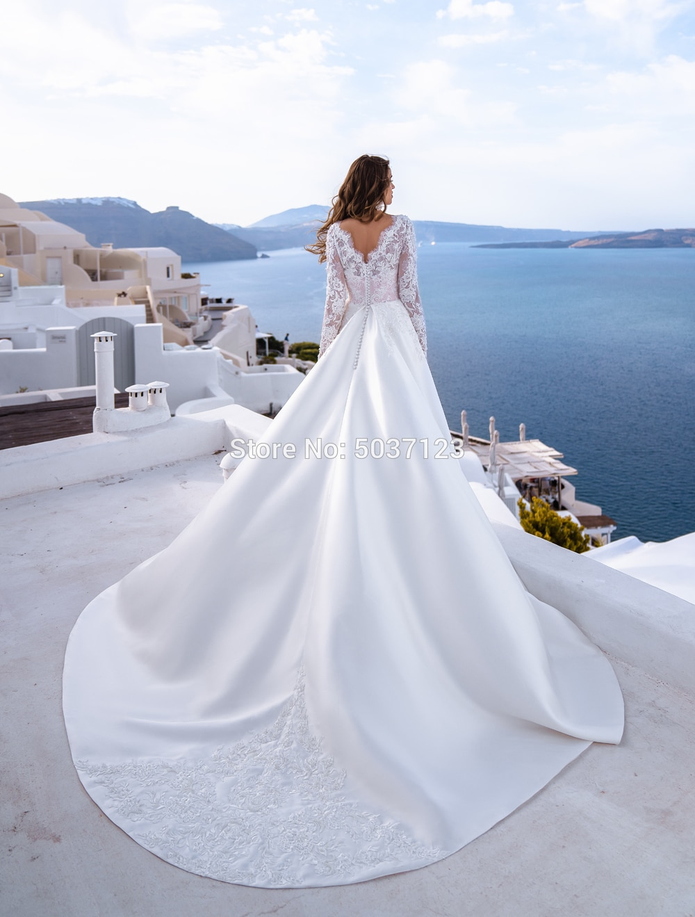Raso Maniche Lunghe Abiti da Sposa Una Linea Scoop Appliques Del Merletto Nuziale Abiti da Sposa Button Corte Dei Treni Vestido De Noiva