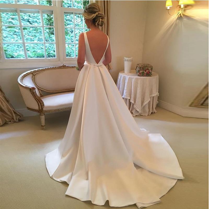 Elegante Una Linea di Abiti da Sposa Senza Maniche Bianco Avorio Raso Backless Abito da Sposa Custom Made Vestido De Casamento Sweep Treno