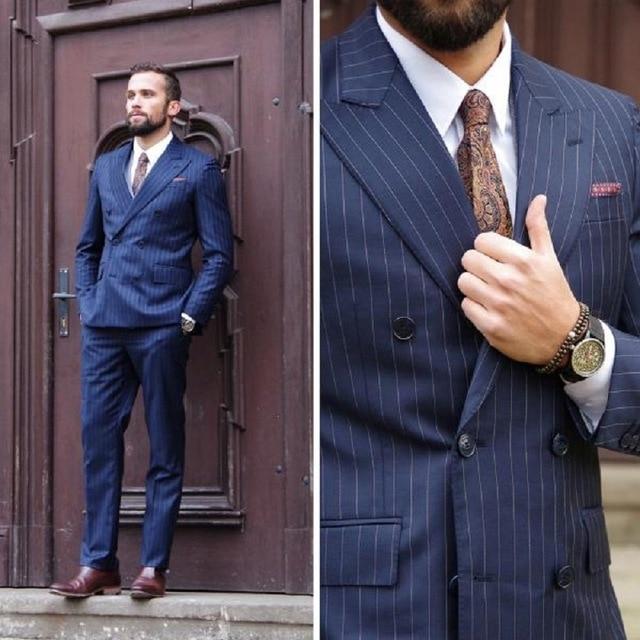 Blu Navy Gessato Abito da Uomo Doppio Petto Uomini D'affari Vestito Convenzionale Giacca Casual Rivestimento del Cappotto Slim Fit Tuxedo Suit Con pantaloni